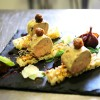 Foie gras sur toasts, mi-cuit au cognac, fleur de sel et piment d'Espelette, figue pochée et chutney