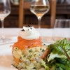 Salade de saumon à l'huile de truffe, et copeaux de truffes